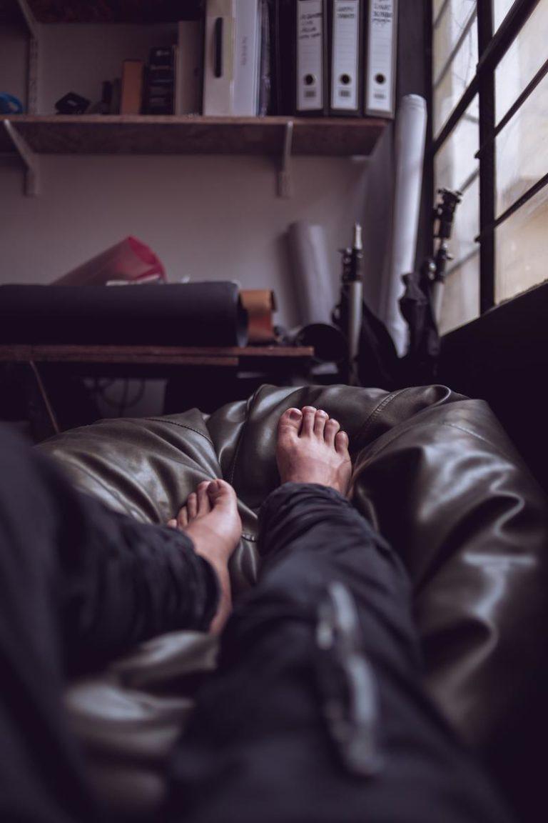 Często dosłownie kręcą się stopy?