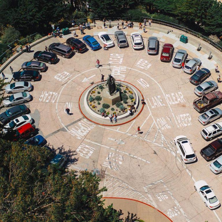 Obowiązkowe ubezpieczenie musi posiadać każdy właściciel samochodu.