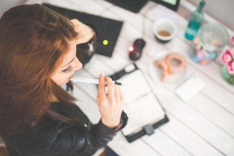 Najlepsze porady specjalistów – piękne i lśniące włosy każdej osoby